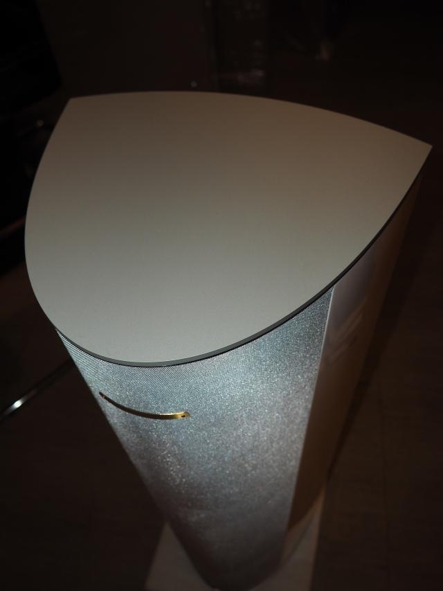 Ubiq Audio Mini One White Silver en Assai Audio